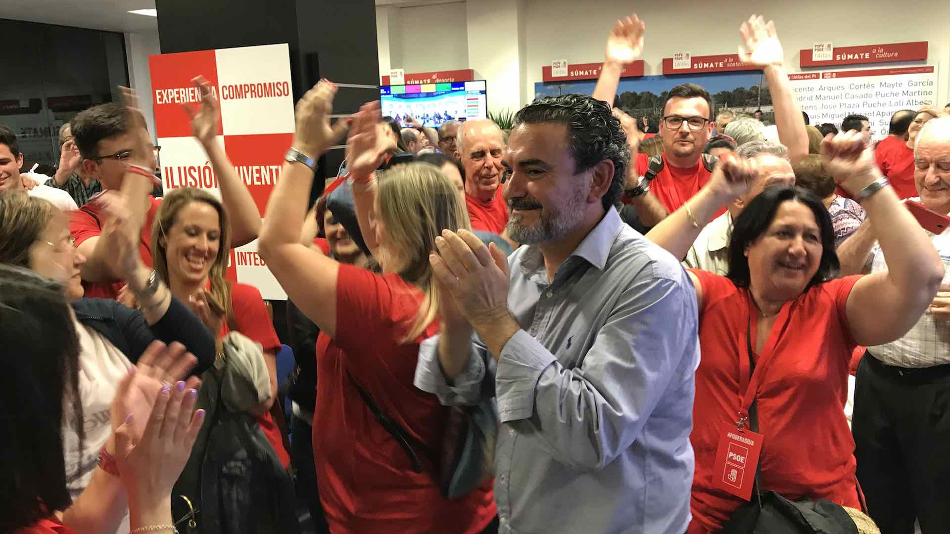 VICENTE ARQUES PSOE MAYORIA ABSOLUTA